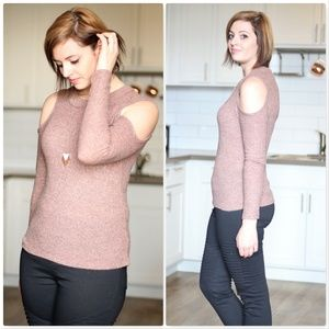 Cold Shoulder 2tone Knit Top